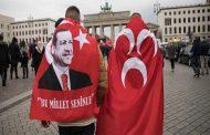 "Güven Gürkan Öztan: ""Nein"" bedeutet Lächeln und Selbstvertrauen*"
