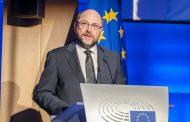 """Der Schritt ins politische Abseits Martin Schulz inszeniert sich als """"Radikaleuropäer"""". - Andreas Wehr"""