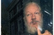 Ende der Flucht, Beginn des Tauziehens / Über die Festnahme von Julian Assange - Markus Drescher