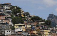Traum und Tag Brasilien als Sehnsuchtsort. Urwald trifft auf Asphaltdschungel, Reichtum auf endlose Elendssiedlungen - André Steiniger