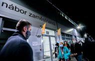 Amazon spielt tschechische und deutsche Angestellte gegeneinander aus - Klára Votavová